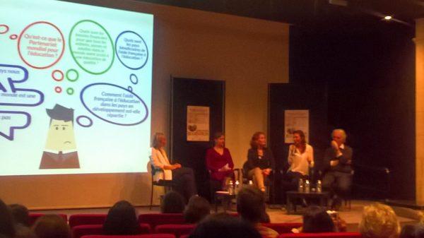 Discussion sur l'aide publique française à l'éducation